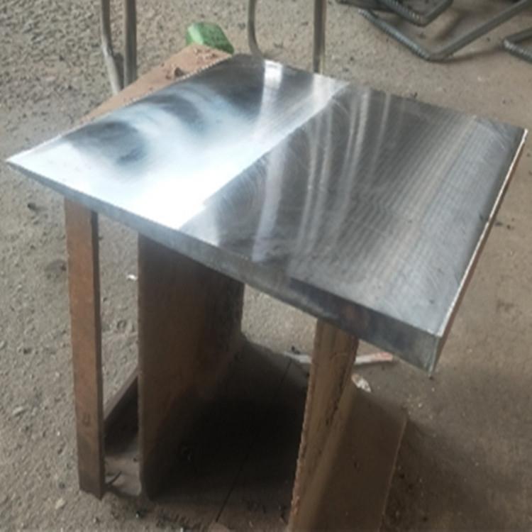 楔形钢板的施工方案。