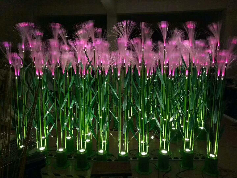 粉色芦苇灯