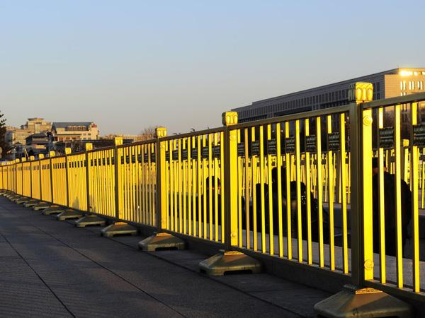 郑州金属护栏厂家